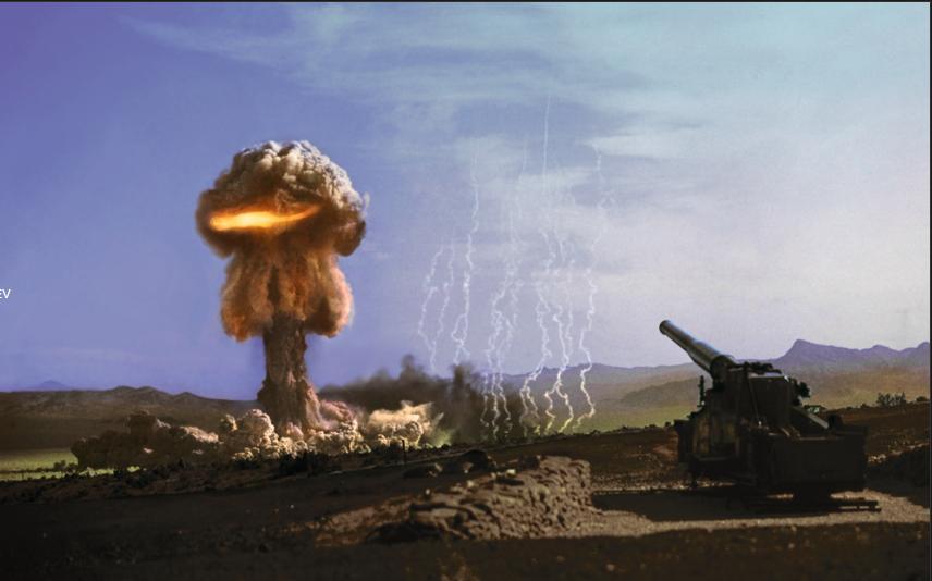 """Испытание Upshot-Knothole Grable, 25 мая 1953 Невада. Изделие Мark 9 калибра 280 мм, сборка орудийного типа, взрыв 15 кт на расстоянии 10 км от гаубицы, время в полете 19 сек. Возможно этот кадр, запечатлевший единственный тест ядерного снаряда США, подсказал финальную сцену фильма """"The Return Of The Living Dead"""" (1985). Ядерный гриб выглядит даже слишком красиво - снимок, скорее всего, был реставрирован на компьютере. Однако ... взрыв Little Boy над Хиросимой имел примерно такой же выход!"""