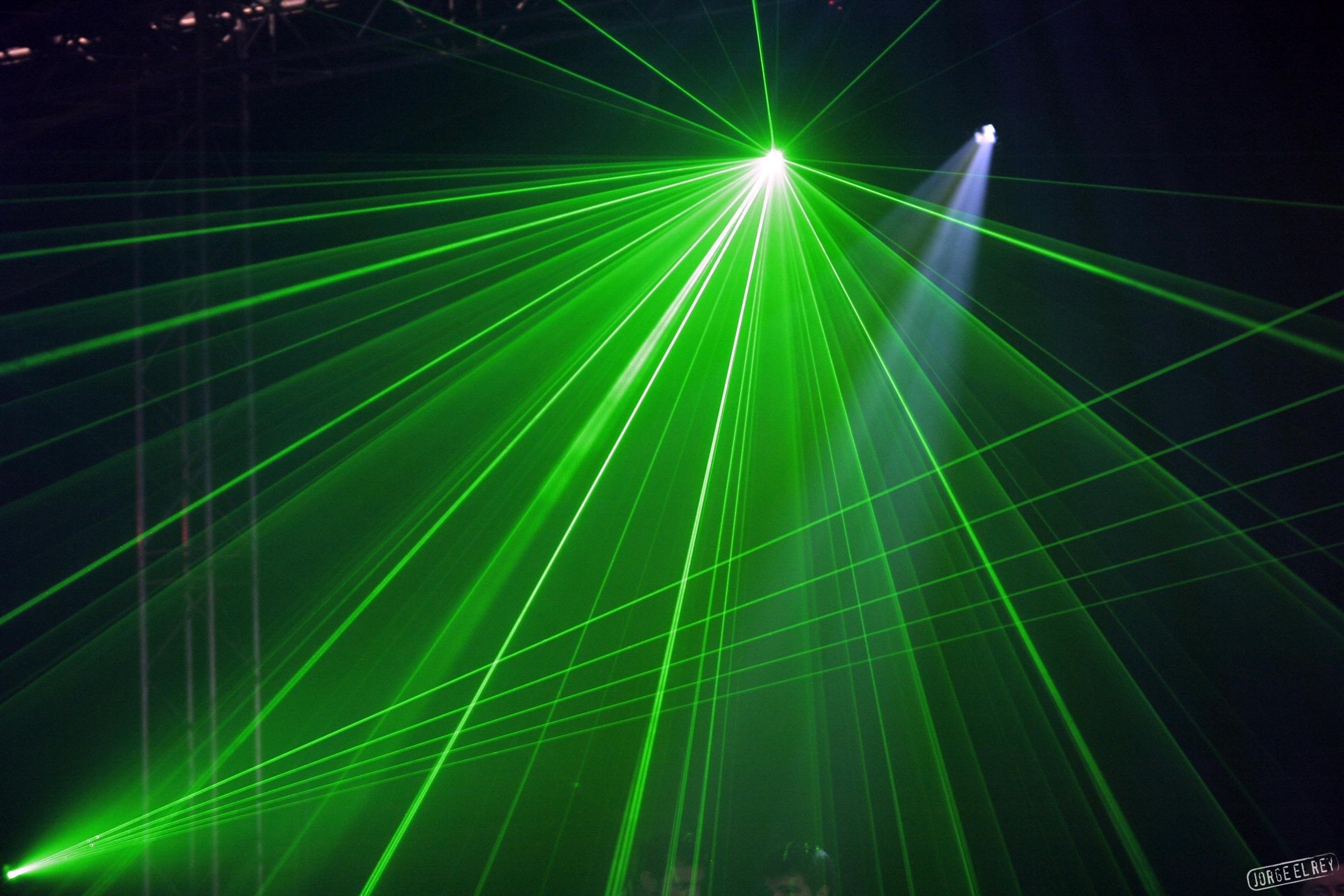 Лазерные спецэффекты своими руками